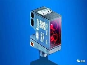 消除误检测的理想之选 | 使用SmartReflect的堡盟O300光电传感器在贴标机上的应用