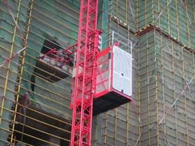 变频器在施工升降机上的解决方案
