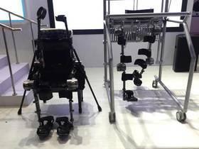 可穿戴式外骨骼机器人控制无人机